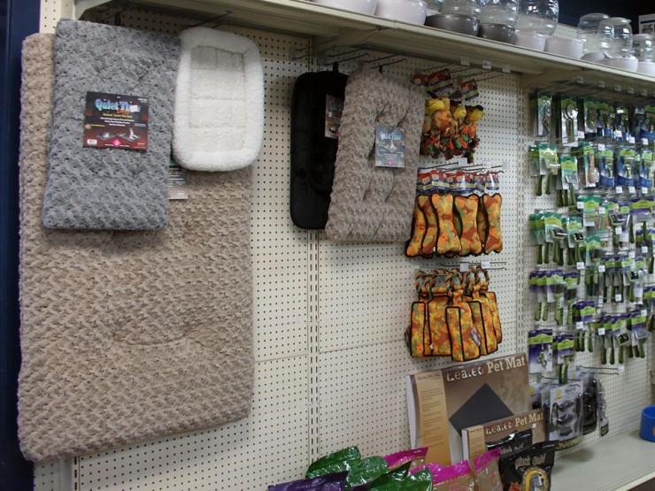 Find dog beds, toys and pet mats at Cherokee Feed & Seed stores.