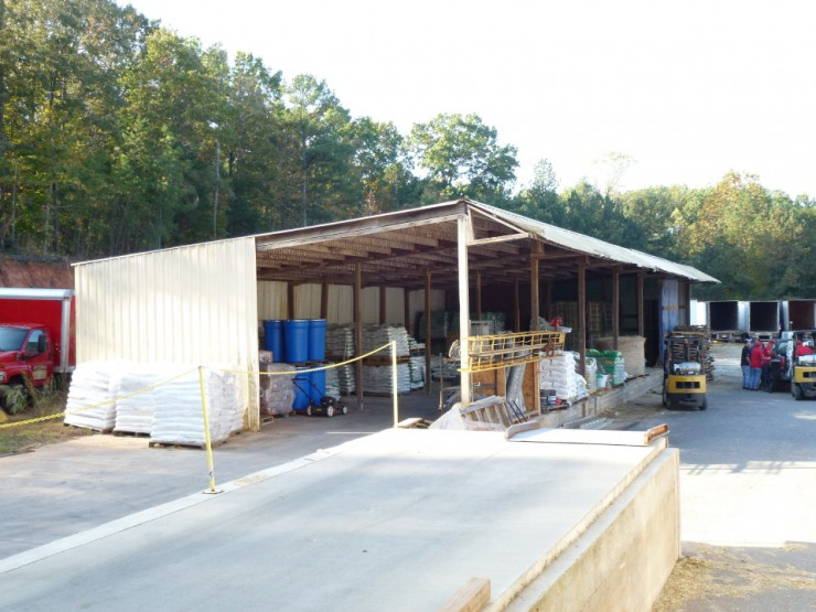 Loading Dock at Cherokee Feed & Seed