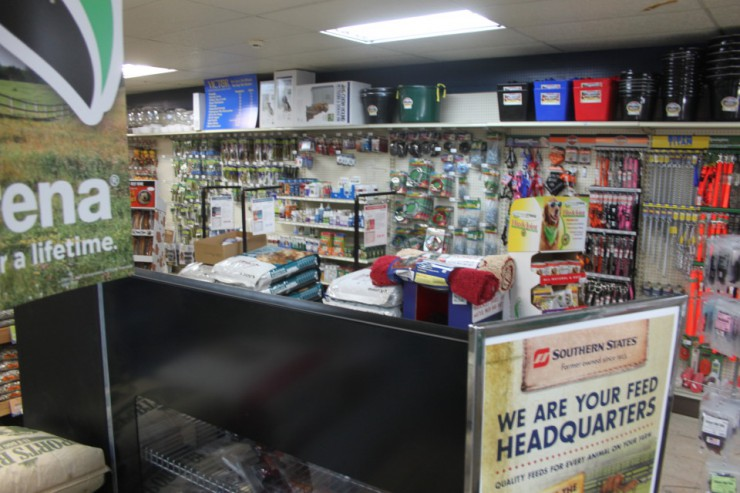 Cherokee Feed & Seed - Gainesville, GA - Farm supplies, feed and pet supplies.