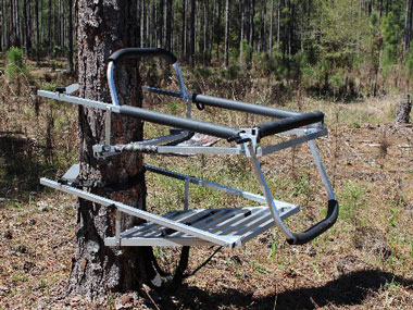 Combow Hunter 250 and HD 350 Tree Stands - Cherokee Feed & Seed - Georgia