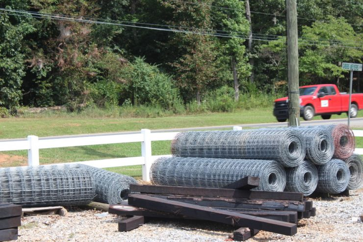 Fencing, Posts, Boards, Wire, Gates, T-Post, Panels